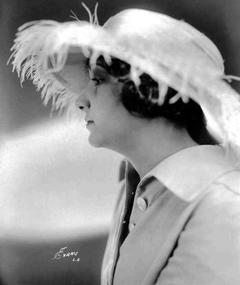 Photo of Alice Hollister