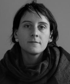 Gambar Louise Bagnall