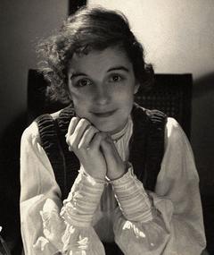 Edith Barrett adlı kişinin fotoğrafı