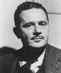 Photo of Lewis Allan