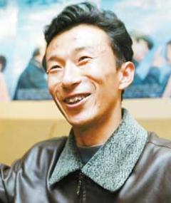 Photo of Qiu Lin