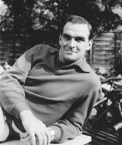 Photo of Stanley Baker