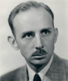 Photo of John Qualen