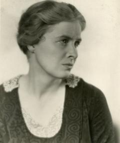 Photo of Dorothy Peterson