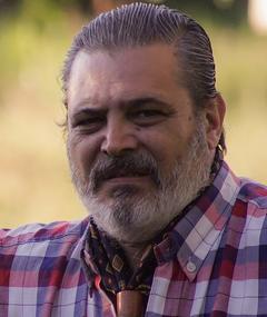 Gambar Claudio Medina