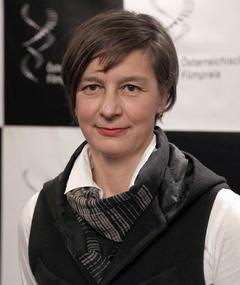 Katharina Wöppermann adlı kişinin fotoğrafı