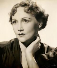 Photo of Fay Compton