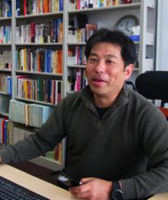 Gambar Akira Takada