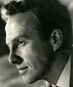 Photo of Wallas Eaton