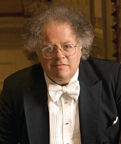 Photo of James Levine