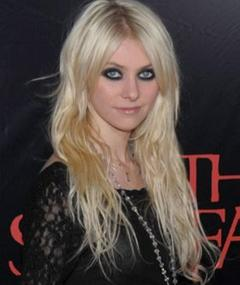 Photo of Taylor Momsen