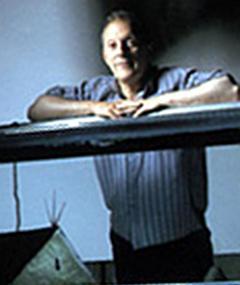 Gambar Christopher Hobbs