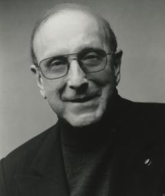 Photo of Clive Davis