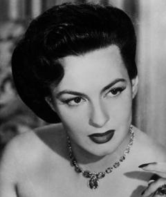 Photo of Yvonne Sanson