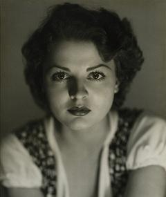 Photo of Lilian Bond