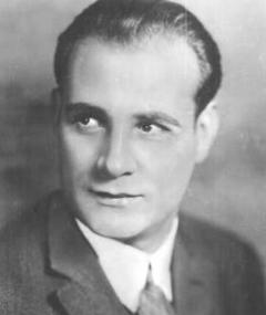 Photo of Victor Varconi