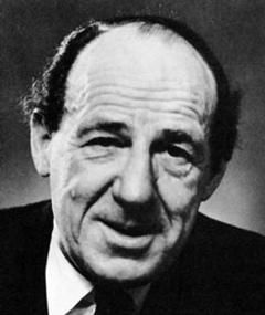 Photo of Michael Hordern