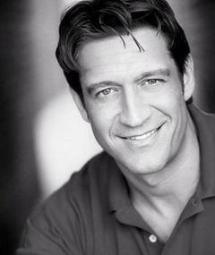 Photo of Robert Gant