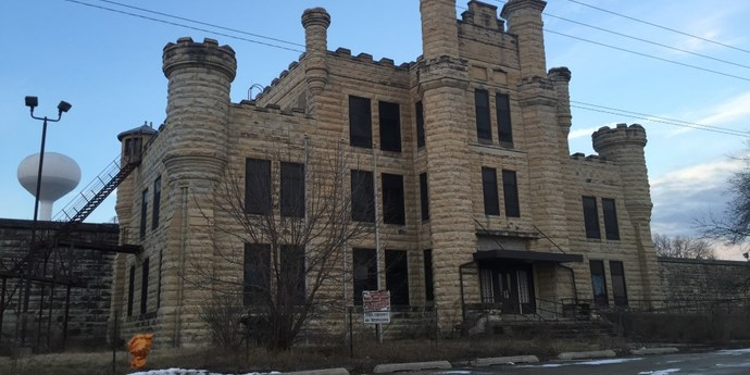 image of the Echoes of Stir: Four Hours in Joliet