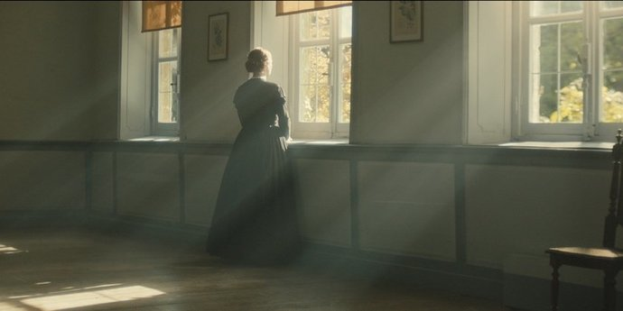"""image of the Review: Terence Davies' """"A Quiet Passion"""""""